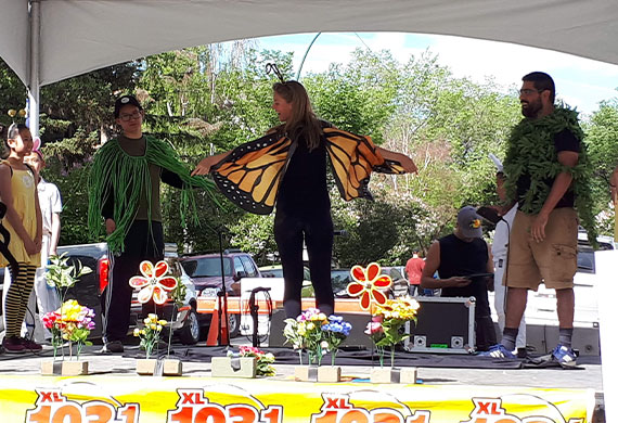 Lotli performance at the Lilac Festival